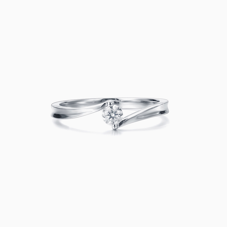 Twisted Round Brilliant Engagement ring