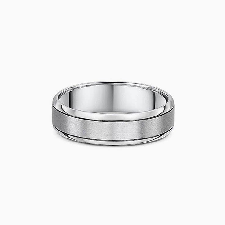 Center matt mens ring 810A03
